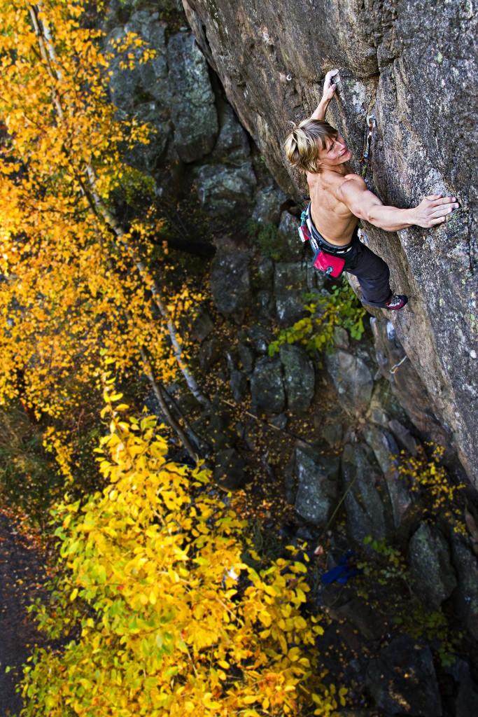 Emil Westman climbing in Anneberg Stockholm. Photographer Alexander Rydén, Klättring