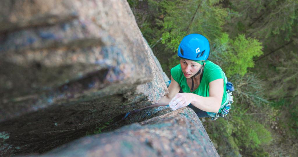 Karin Eknor climbing in Bohuslän Hallinden, Sweden, Photographer, filmmaker, Alexander Ryden, Klättring