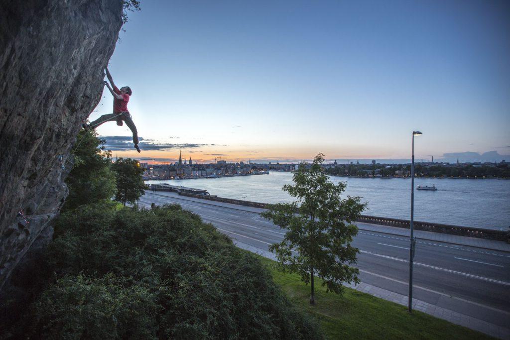 Ry Morrison climbing in Stockholm City, Photographer Alexander Rydén, Klättring