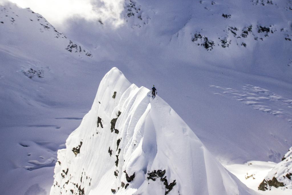 Mattias Hargin skiing on a Knife edge peak in Haines Alaska, Photographer, filmmaker, Alexander Ryden, Skidåkning