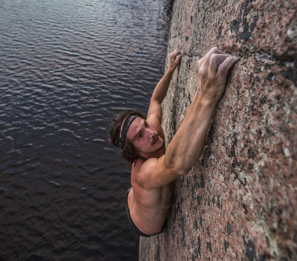 Adam Falklind climbing in Ågelsjön, Sweden, Photographer, filmmaker, Alexander Rydén, Klättring